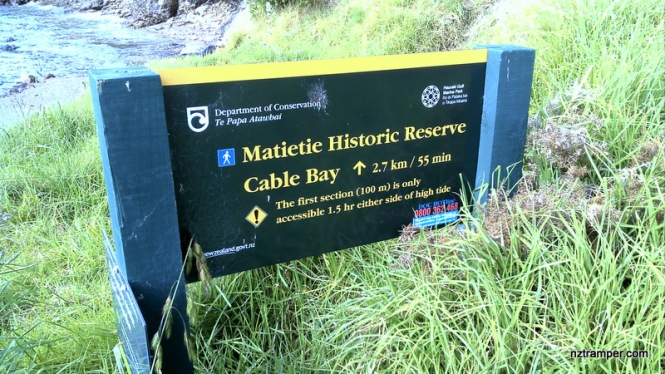 waiheke-island-sign-post-27